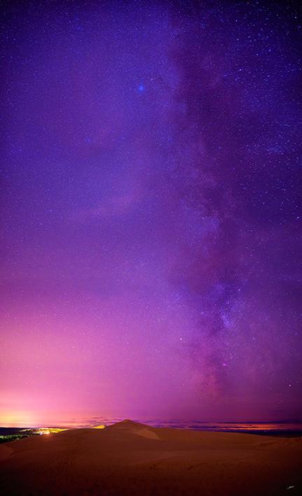 La voie lactée au dessus de la Dune du Pilat photographiée par le photographe arcachonnais Stéphane Scotto