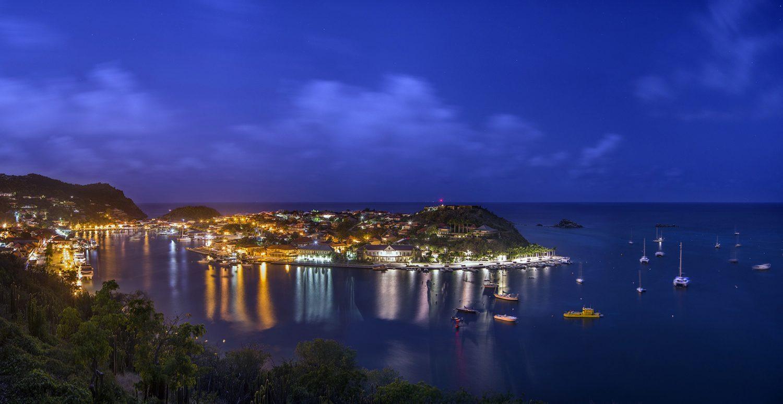 Port de Gustavia by night